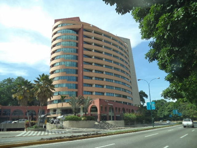 Venta Excelente Local Kerdell Valencia Av Bolivar Norte Rbav