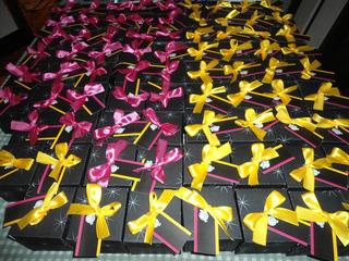 Convite 15 Anos - Cores (amarelo, Pink E Preto) - 10 Unidade