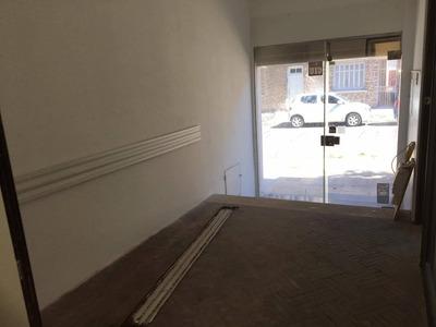 Casa Central - Local Comercial Pocitos 90 M2 Con Patio
