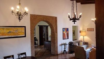 Casa En La Zona Colonial Amueblada Por Us$2,500.00