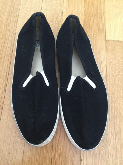 Zapatillas Panchas Negra Tela Blanca Urban Outfitters