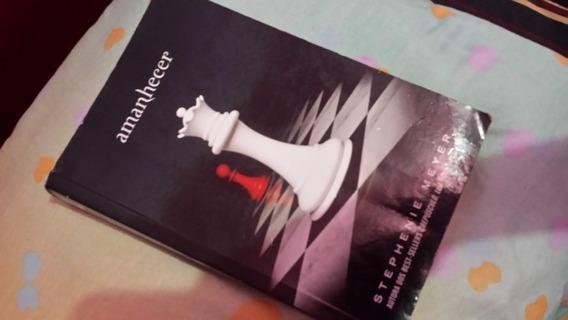 Livro Da Saga Crepúsculo - Amanhecer