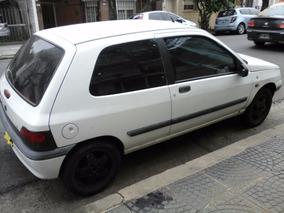 Renault Clio 3ptas. Renault Clio 1997