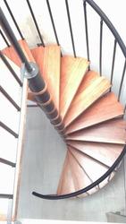 Escaleras Metálicas Rectas Y De Caracol