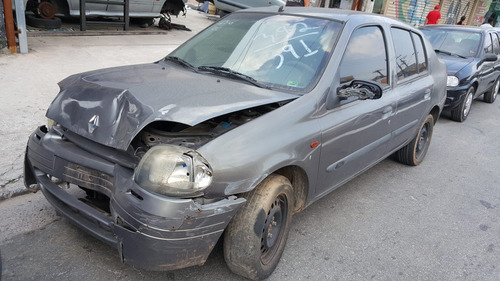 Sucata Renault Clio 1.6 16v 2000/2001 (somente Peças)
