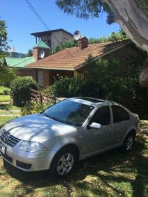 Vw Bora 2.0 Gris Plata 2011. Excelente Auto.
