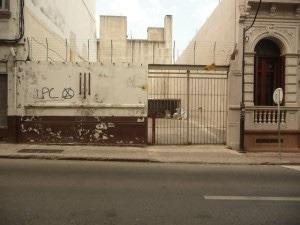 Terreno O Garage En Bs. As. Y Colón