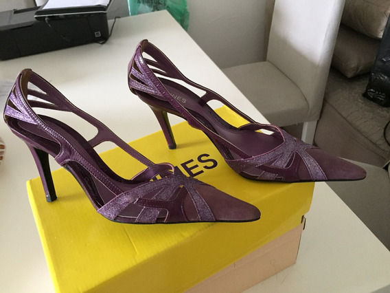 Sapato Lilás E Púrpura Escuro Com Brilho