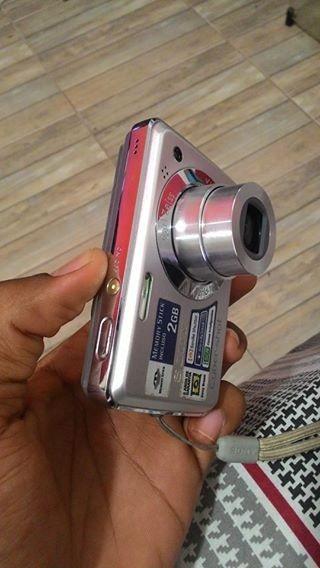 Câmera Digital Sony Cyber-shot 12.1 Mega Pixels