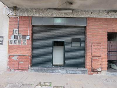 Casa De 2 Ambientes Y Amplio Local Comercial