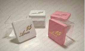 96 Caixas Acrilica 6x6cm Gravura Dourada 15 Anos Debutante