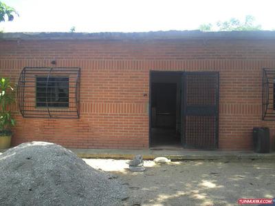 Casas En Venta Y Terreno De 8 Hetaira Vía Higuerote