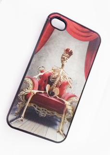 Estuche Carcasa Case Calavera En Trono iPhone 4 4s Holografi