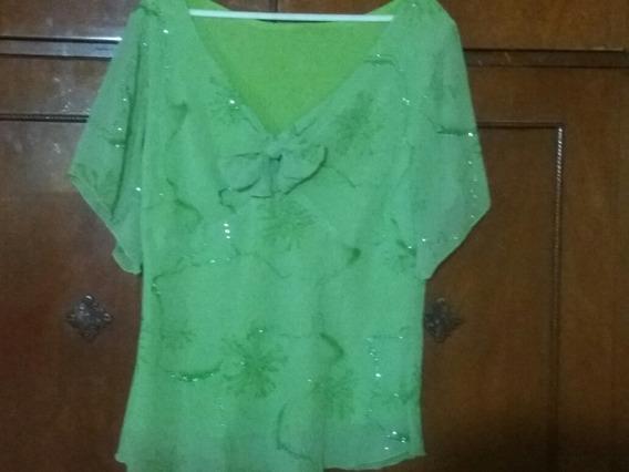 Blusa De Gasa Verde Con Flores Pintadas Y Con Brillos