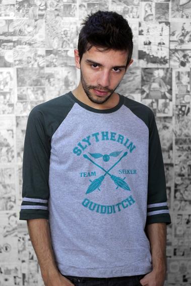 Camiseta Raglan Quadribol Sonserina Harry Potter Masculina