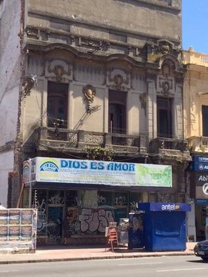 Local Comercial Sobre Av 18 De Julio Y P. De María- Cordón