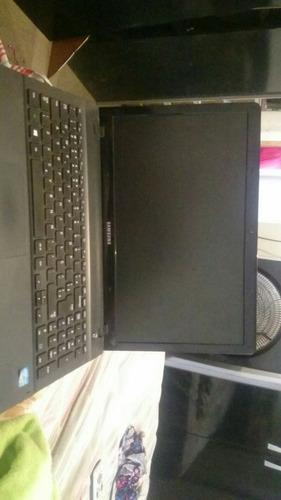 Notebook Samsung Intel Core I3,  Windows 8 Com 5 Gb De Memór