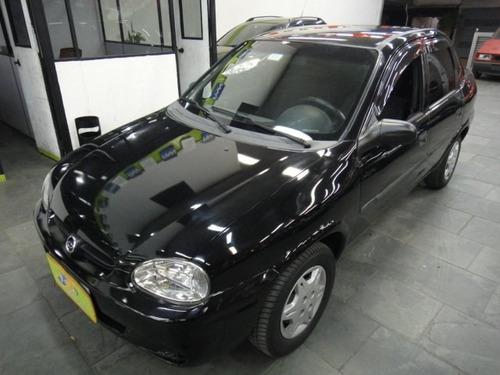 Chevrolet Corsa Classic 1.0 Wind 4p  Preto 2000