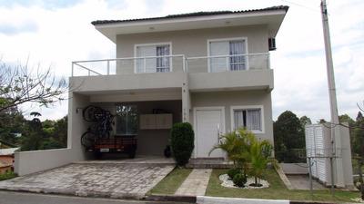 Linda Casa Em Aldeia De Serra - Rica Em Armários E A/c