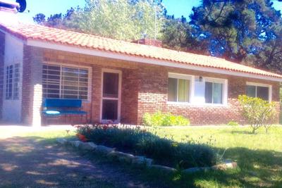 Dos Casas Con Entradas Independientes