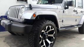Jeep Wrangler Unlimited Sahara Modificado 2017