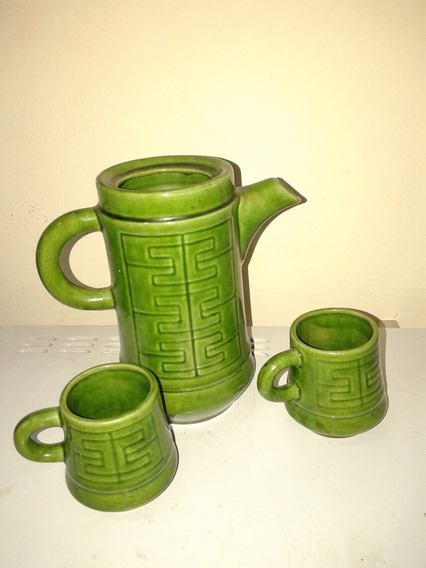 Cafetera Sin Tapa Y 2 Tacitas En Ceramica Verde