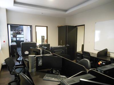 Vendo Oficina Moderna En El Sitecenter De Cumbaya