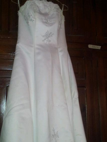 Vestido De Novia Incluye Los Zapatos Y La Crinolina