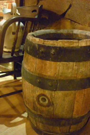 Barril De Madera Antiguo Roble Cerveza Quilmes