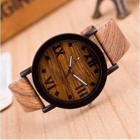 Relógio Algarismos Romanos Fundo Madeira Com Caixa