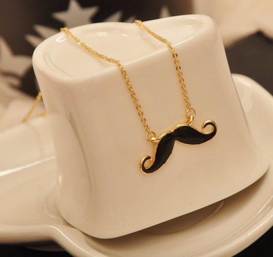 Colar Bigode Mustache Lindo