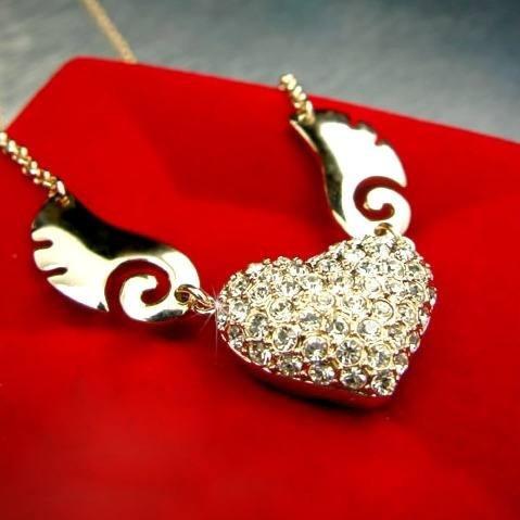 Colar Com Pingente Coração Asas De Anjo Folheado A Ouro Rosê