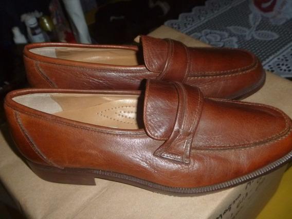 Par De Sapatos Italianos Em Pele E Solado Couro Masculino