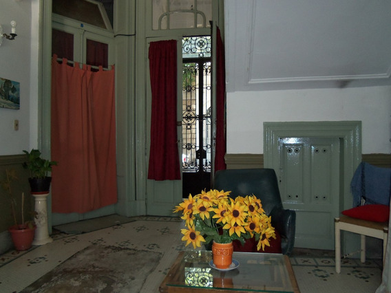 Alquilo Pieza Habitación Con Muebles Pensión Plaza Flores