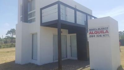 Alquiler Casas En Punta Del Diablo - A Cuadras De La Viuda