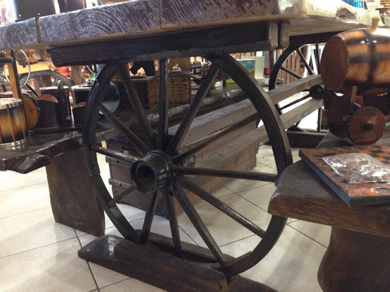 Mesa Em Roda De Carroça - Rustica