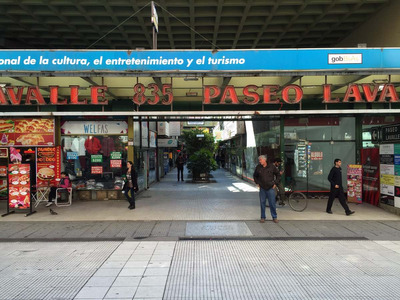 Local En Galeria Comercial En Peatonal Lavalle 835 - 30m2