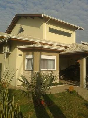 Linda Casa Em São Pedro, Condomínio Fechado, Muito Conforto
