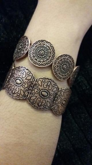 Bracelete Em Bijuteria Rose.