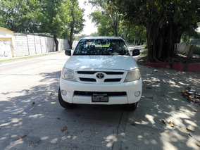 Toyota Hilux Dx 2.5 Titular