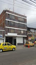 Edificio Con Bodega Y Apartamentos
