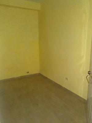 Renta Apartamento Estudio Sin Amueblar, Zona Colonial, Rd
