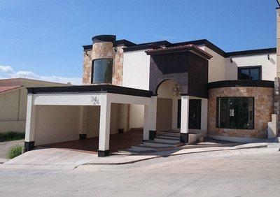 Elegante Residencia Nueva Ubicada En Santa Lucia, Hermosillo