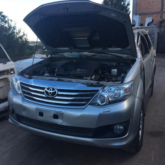 Toyota Hilux Sw4 3.0 2015 4x4 - Sucata Para Retirar Peças