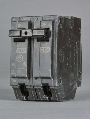 Caja De 5 Breaker Thql 2x50, 2x60 General Electric