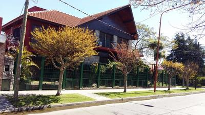 Exlente Casa Chalet Quilmes 2 Terrenos Pileta Parque Permuta