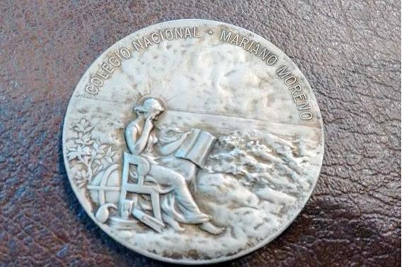 Antigua Medalla Colegio Nacional Mariano Moreno