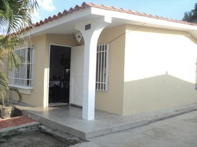Casa En Venta Corinsa Cagua, Aragua 16-1138 Dmlg