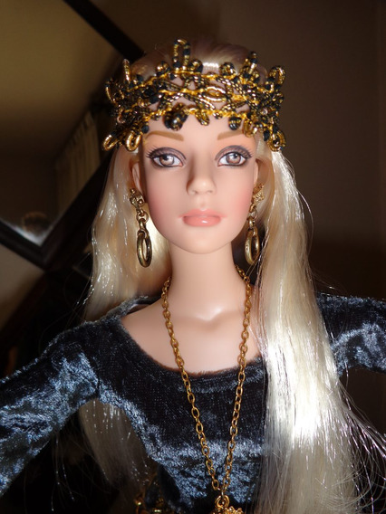 Vestido Medieval Em Veludo P/a Bonecas Tyler, Tonner, Brenda