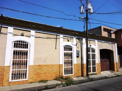 Se Vende Casa Con Zonificacion Comercial En San Blas